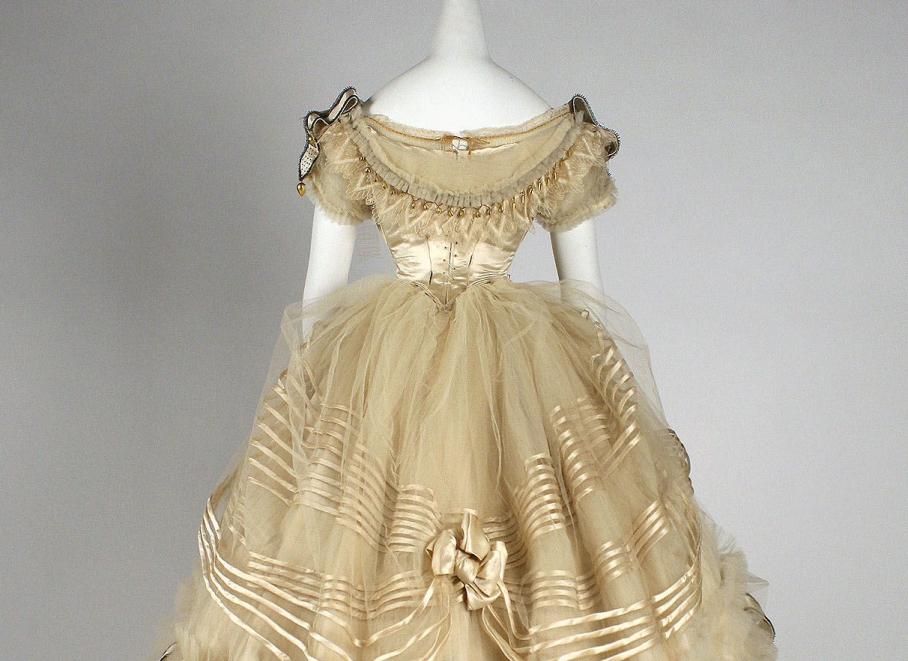 Ball gown Designer: Emile Pingat  (French, active 1860–96) Date: ca. 1860 Culture: French Medium: silk